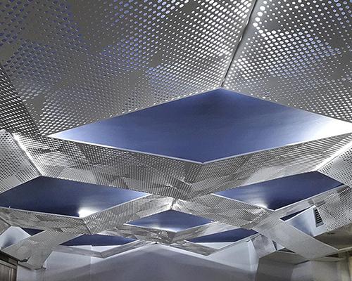 吊顶装饰网应用图-浩通金属丝网