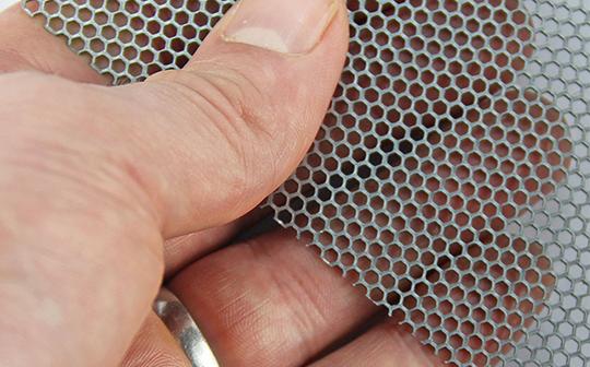 铝板冲孔装饰网细节展示
