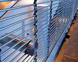不锈钢户外建筑装饰网垂帘定制,不锈钢人字型金属幕墙装饰网帘,浩通金属丝网